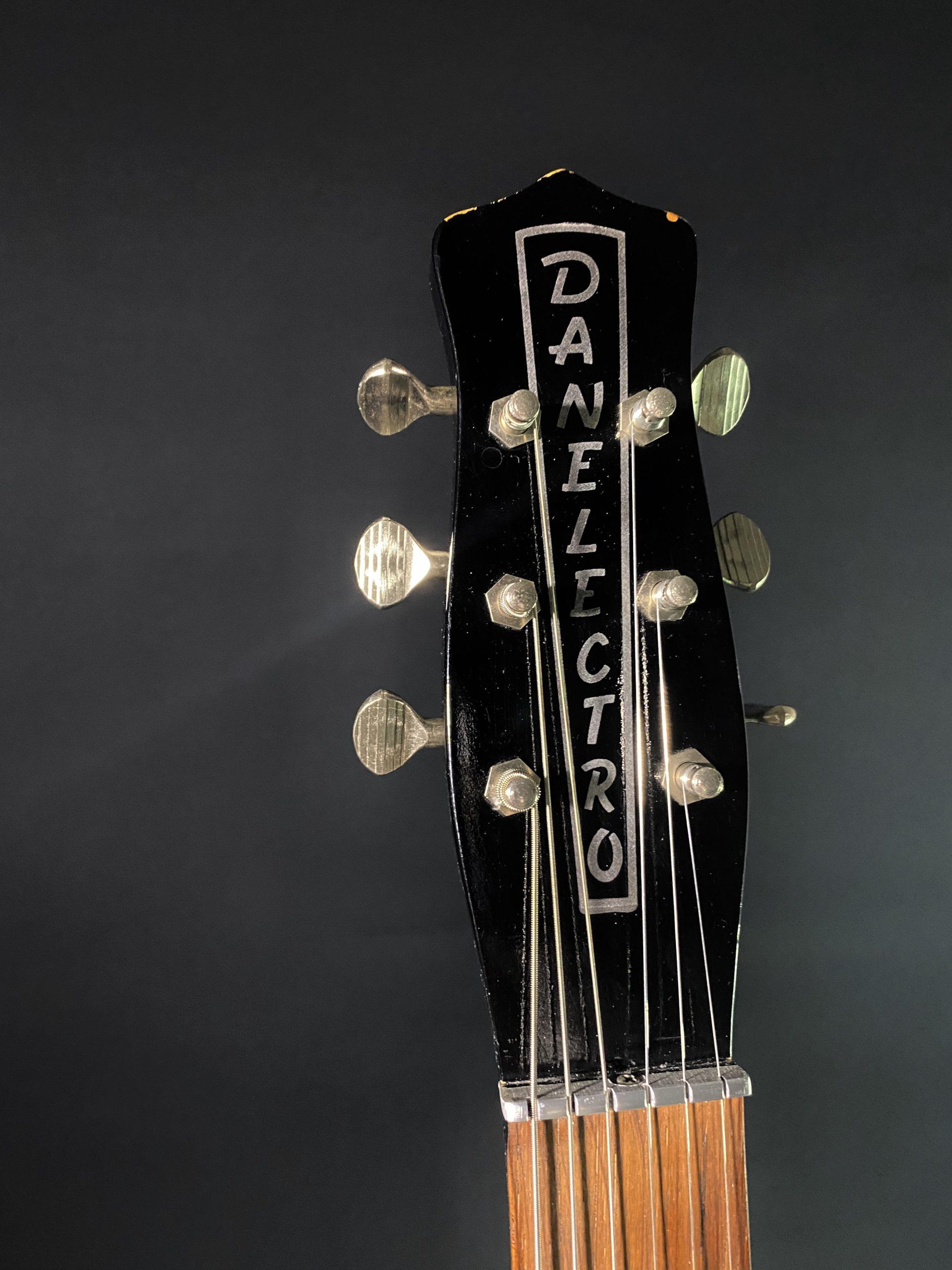 1959 Danelectro Shorthorn 02